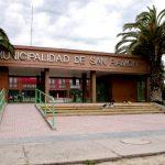 Intentó huir por el aeropuerto: Fiscalía adelanta formalización por cohecho a ex concejal de San Ramón