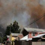 Incendio forestal: Onemi ordena evacuar sectores cercanos a Collipulli por amenaza a viviendas