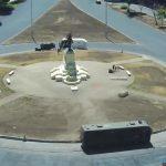«Cobardes, desadaptados y antichilenos»: Ejército reacciona a quema del monumento a Baquedano